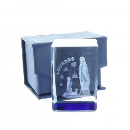 Cubo di vetro inciso laser 3D riflessi azzurri, Apparizione di Lourdes e cuori 4,5 cm