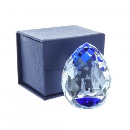 Cubo di vetro inciso laser 3D riflessi azzurri e Apparizione di Lourdes 5 cm
