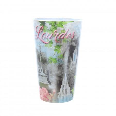 Bicchiere plastico e viste di Lourdes