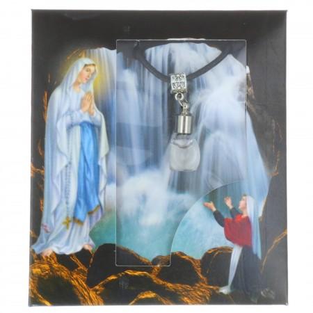 Collier fantaisie avec une fiole à l'eau de Lourdes