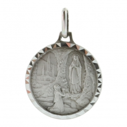 Silver round medallion with Lourdes Apparition