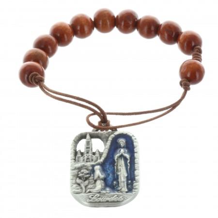 Braccialetto decina di legno con una medaglia di Lourdes rovescio San Cristoforo