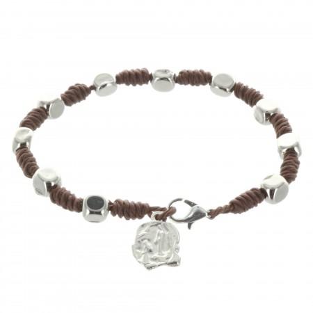 Bracelet dizainier en corde avec une médaille de Lourdes