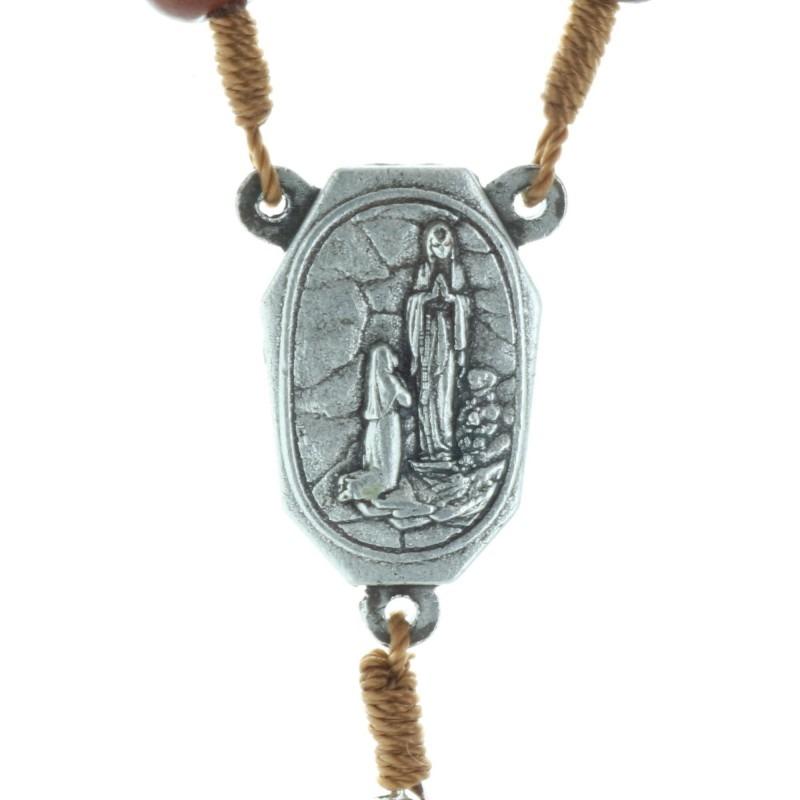 Chapelet avec l'eau de Lourdes et des paters de Lourdes en bois