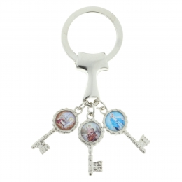 Key chain with Tau cross and three keys with religious images