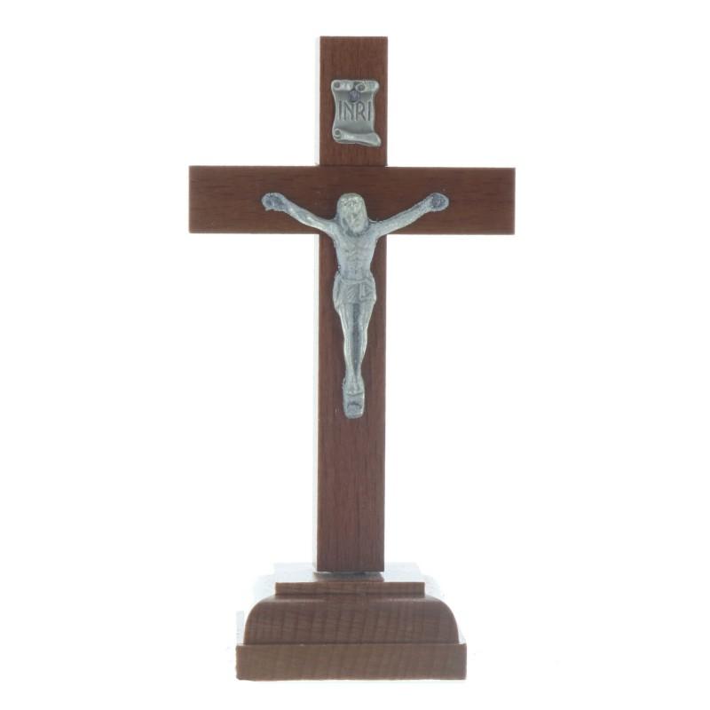 Crucifix en bois foncé à suspendre
