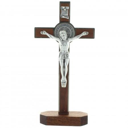Crocifisso di legno di San Benedetto su base 20cm