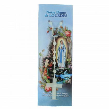Chapelet de Lourdes lumineux à la rose dans un étui prière